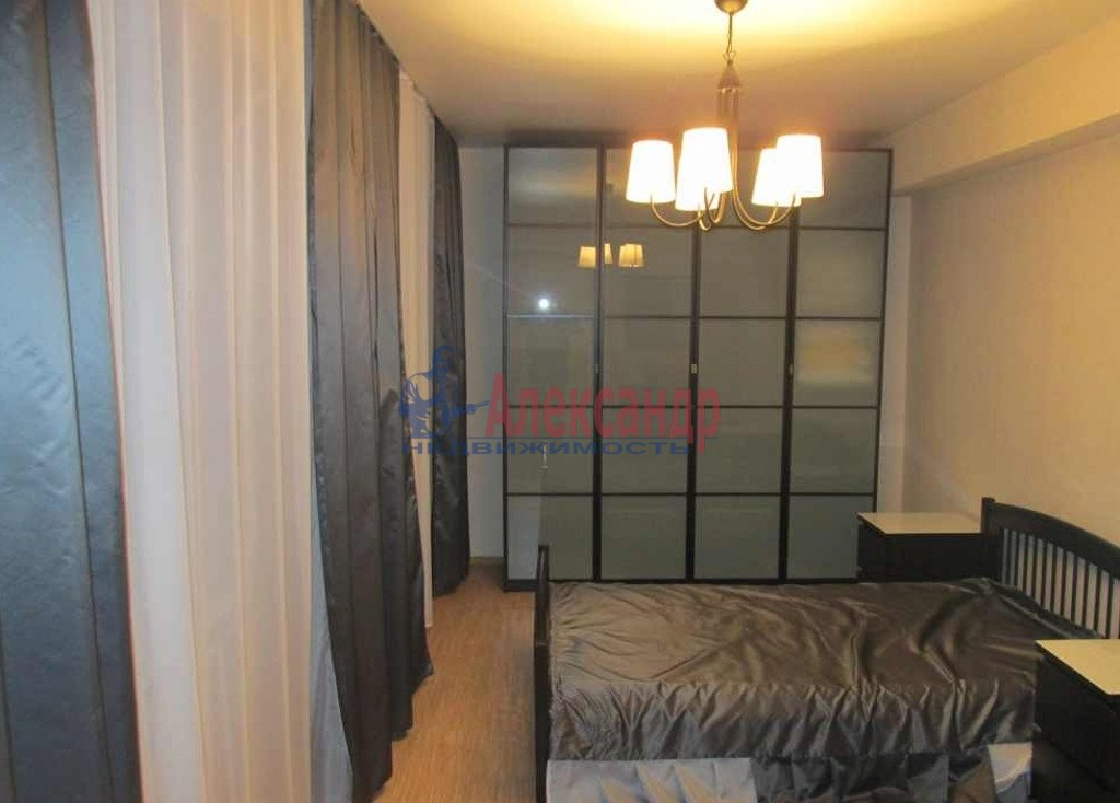 3-комнатная квартира (94м2) в аренду по адресу Полтавский пр-зд., 4— фото 1 из 5