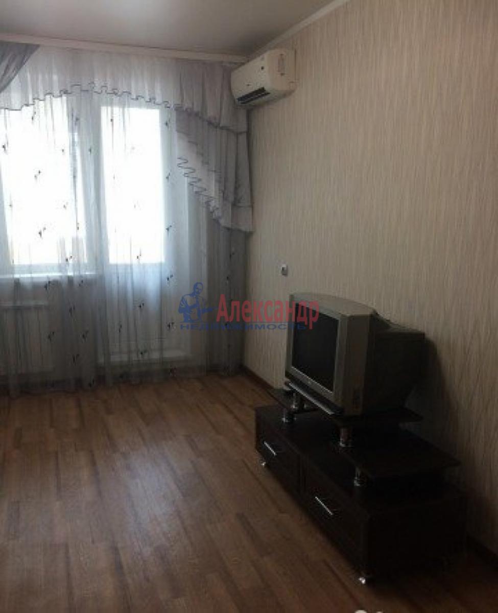 1-комнатная квартира (35м2) в аренду по адресу Трефолева ул., 26— фото 2 из 10