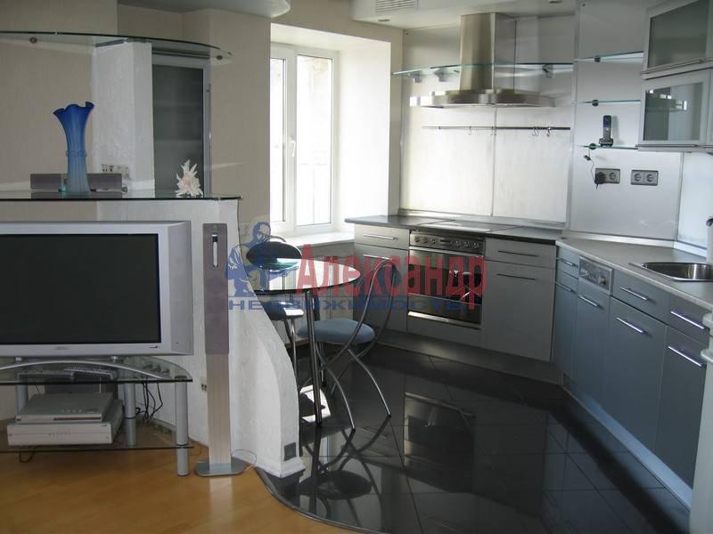 4-комнатная квартира (120м2) в аренду по адресу Новосмоленская наб., 1— фото 3 из 10