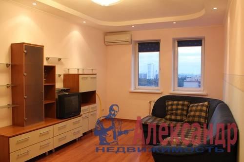2-комнатная квартира (63м2) в аренду по адресу Науки пр., 17— фото 2 из 6