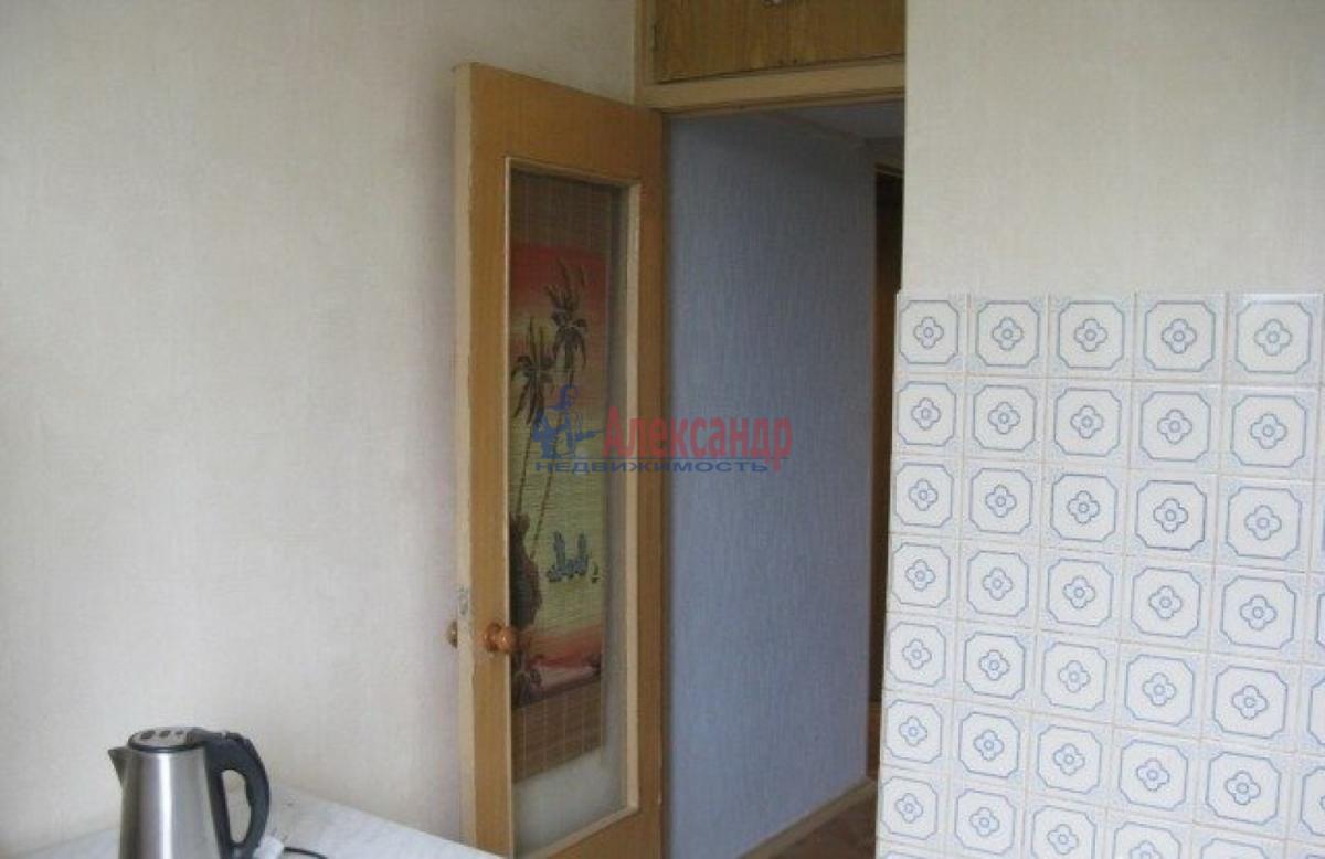 1-комнатная квартира (43м2) в аренду по адресу Коломяжский пр., 20— фото 4 из 5