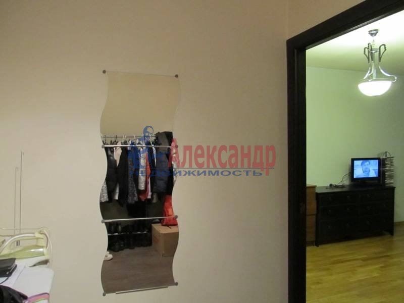 1-комнатная квартира (40м2) в аренду по адресу Маршала Блюхера пр., 21— фото 3 из 13