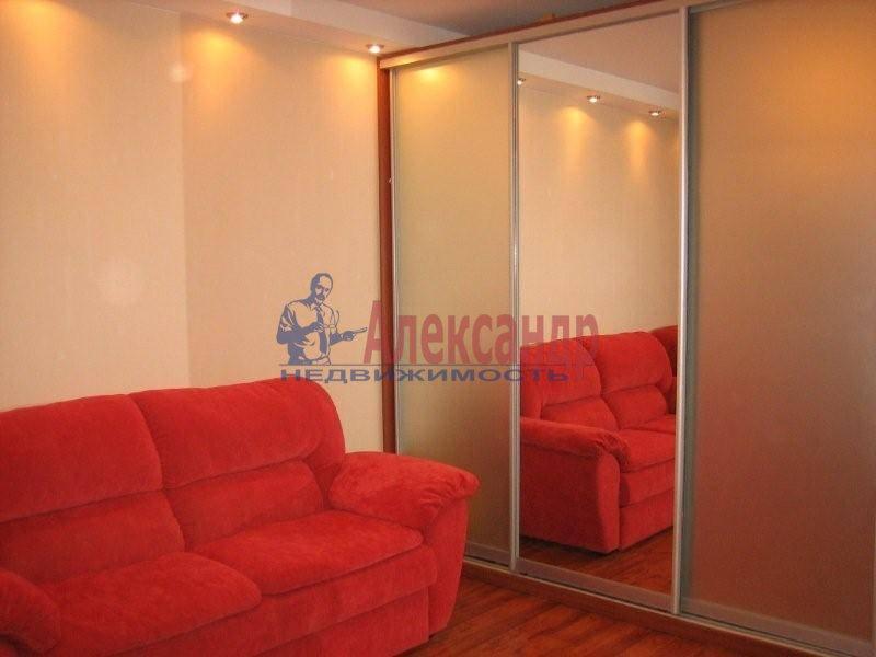 1-комнатная квартира (42м2) в аренду по адресу Просвещения пр., 99— фото 3 из 3