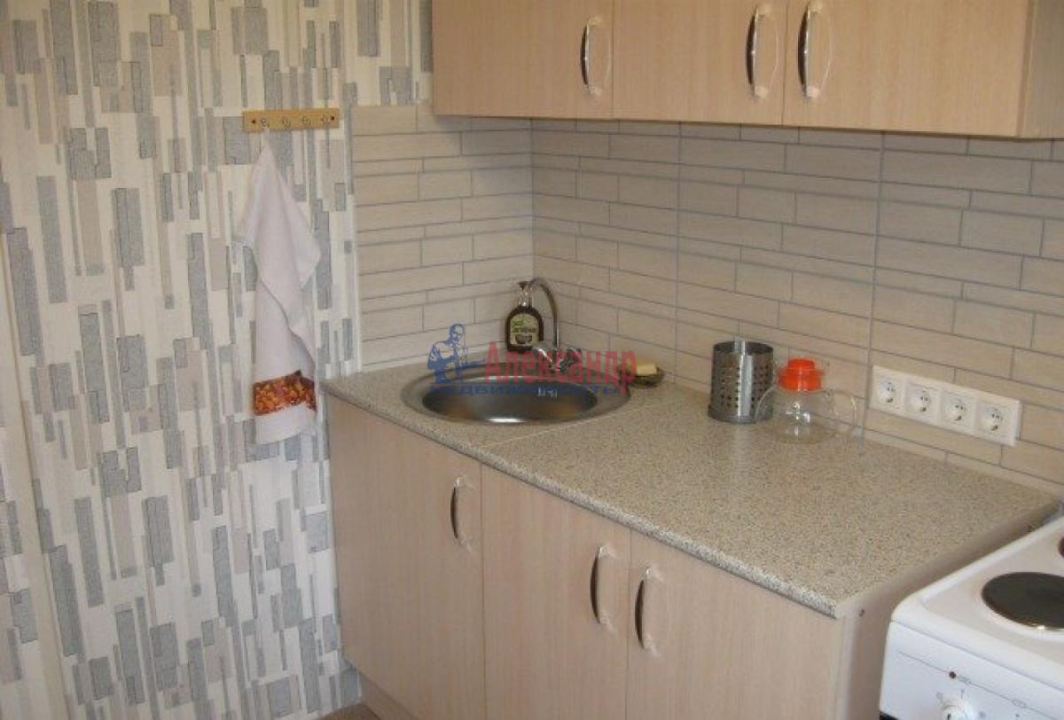 1-комнатная квартира (37м2) в аренду по адресу Будапештская ул., 28— фото 2 из 7