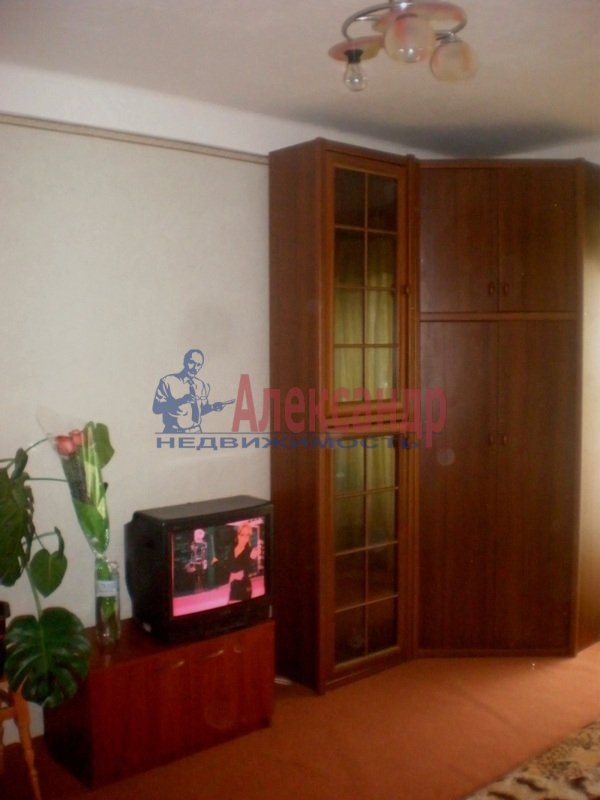 2-комнатная квартира (52м2) в аренду по адресу Пловдивская ул., 9— фото 2 из 4