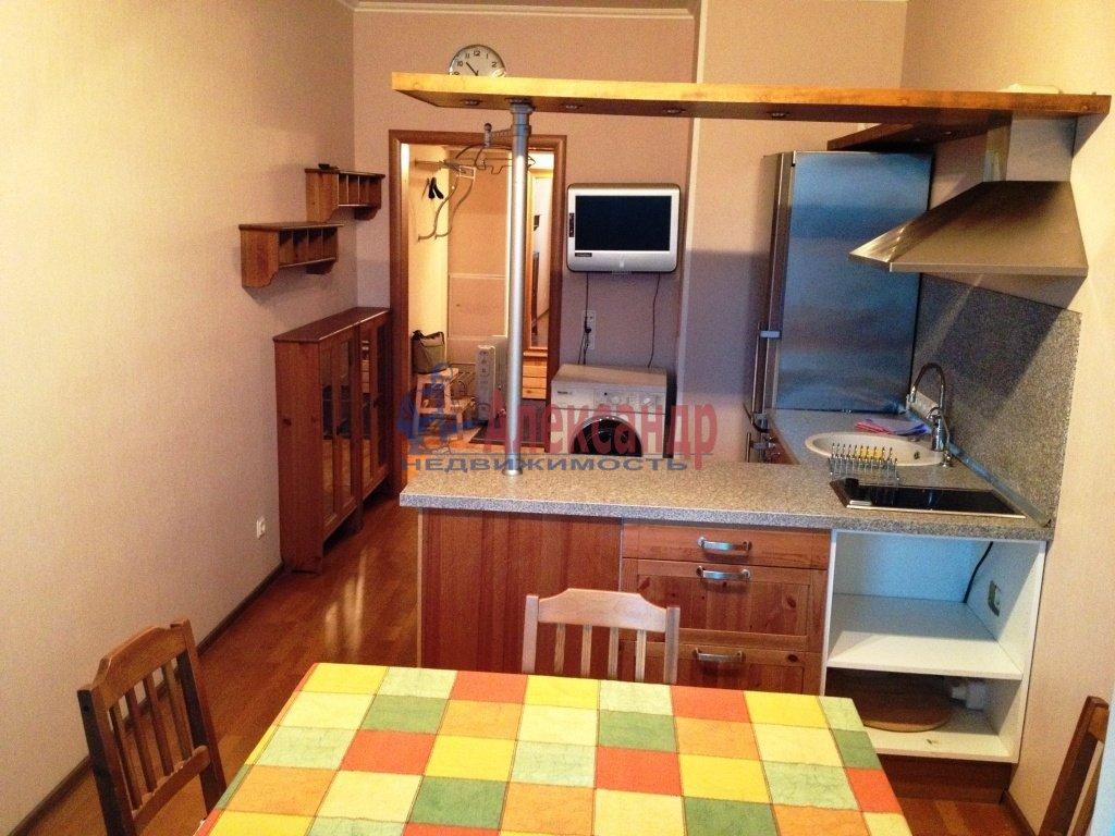 1-комнатная квартира (45м2) в аренду по адресу Народного Ополчения пр., 10— фото 1 из 4