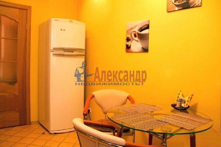 1-комнатная квартира (40м2) в аренду по адресу Комендантский пр., 17— фото 2 из 6