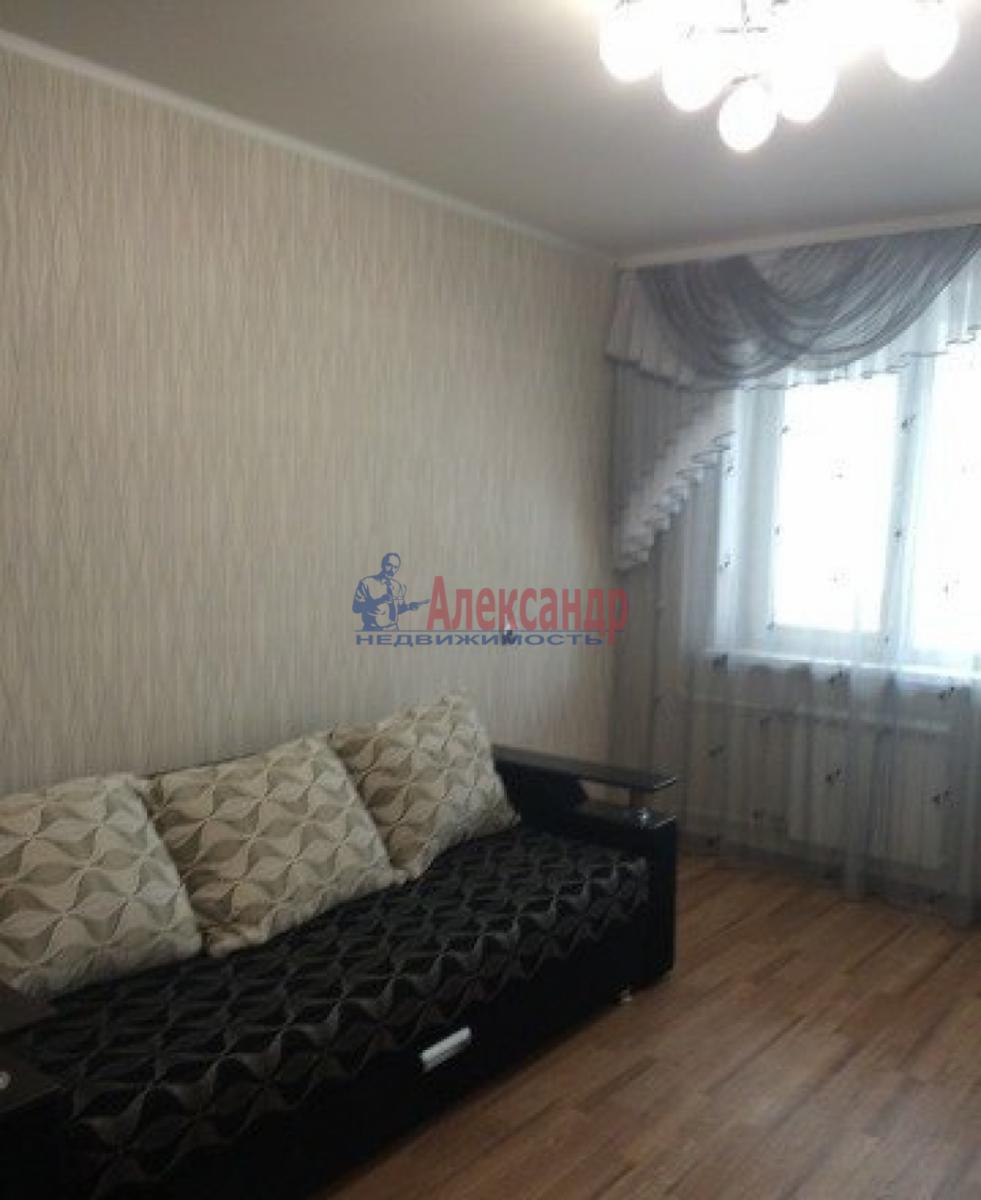 1-комнатная квартира (35м2) в аренду по адресу Трефолева ул., 26— фото 1 из 10