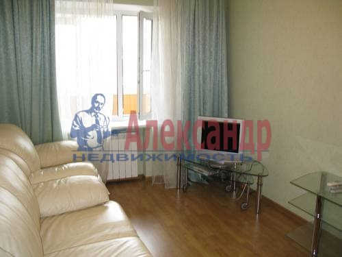 2-комнатная квартира (68м2) в аренду по адресу Галстяна ул., 1— фото 8 из 8