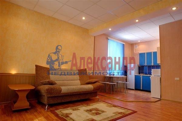 2-комнатная квартира (55м2) в аренду по адресу Ириновский пр., 29— фото 1 из 2