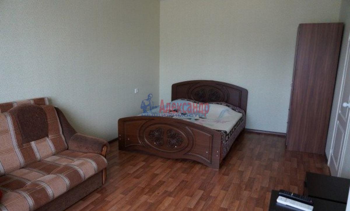 1-комнатная квартира (38м2) в аренду по адресу Ленская ул., 17— фото 1 из 4