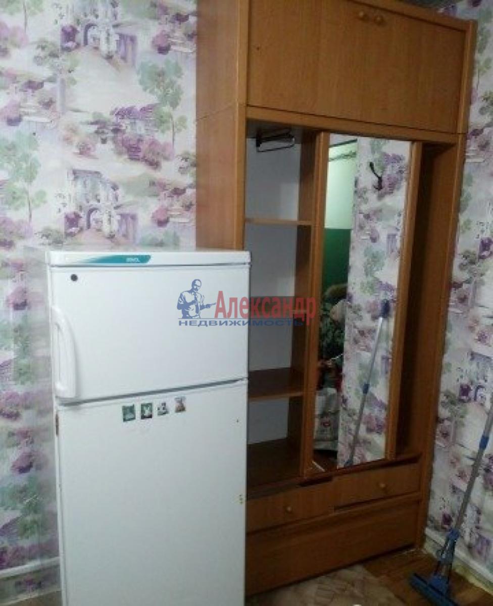 Комната в 5-комнатной квартире (98м2) в аренду по адресу Римского-Корсакова пр.— фото 3 из 3