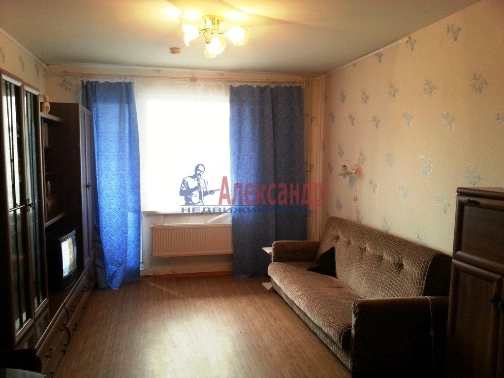 Комната в 2-комнатной квартире (56м2) в аренду по адресу Наличная ул., 48— фото 1 из 4
