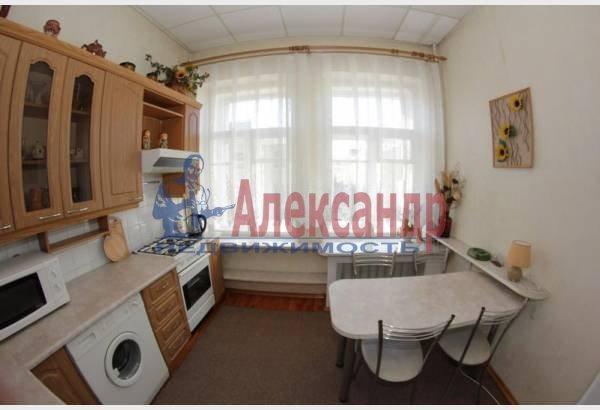2-комнатная квартира (50м2) в аренду по адресу Радищева ул., 5— фото 1 из 6
