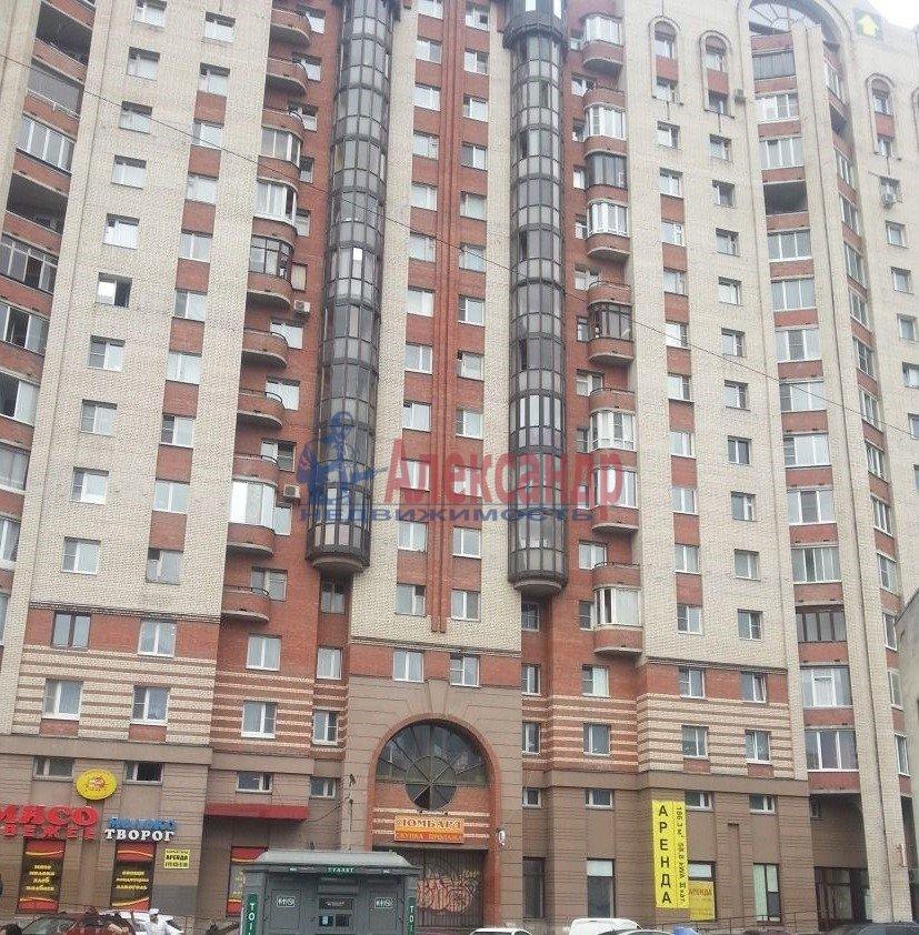 1-комнатная квартира (48м2) в аренду по адресу Ленсовета ул., 88— фото 1 из 18