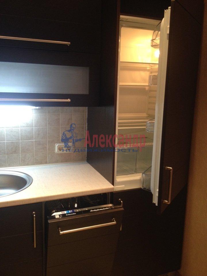 3-комнатная квартира (110м2) в аренду по адресу Каменноостровский пр., 62— фото 2 из 15