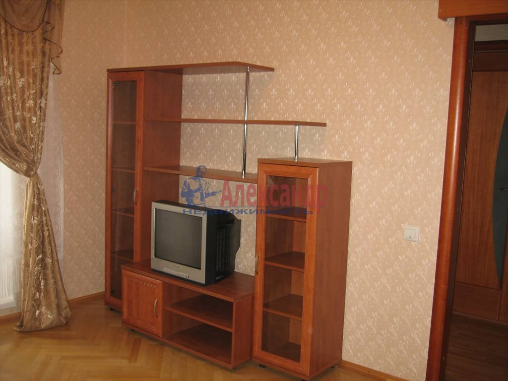 1-комнатная квартира (45м2) в аренду по адресу Кораблестроителей ул., 32— фото 2 из 14