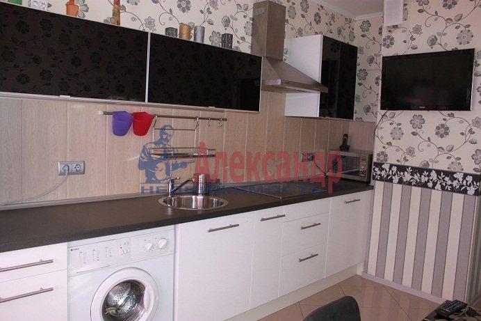 2-комнатная квартира (75м2) в аренду по адресу Приморский пр., 137— фото 3 из 7