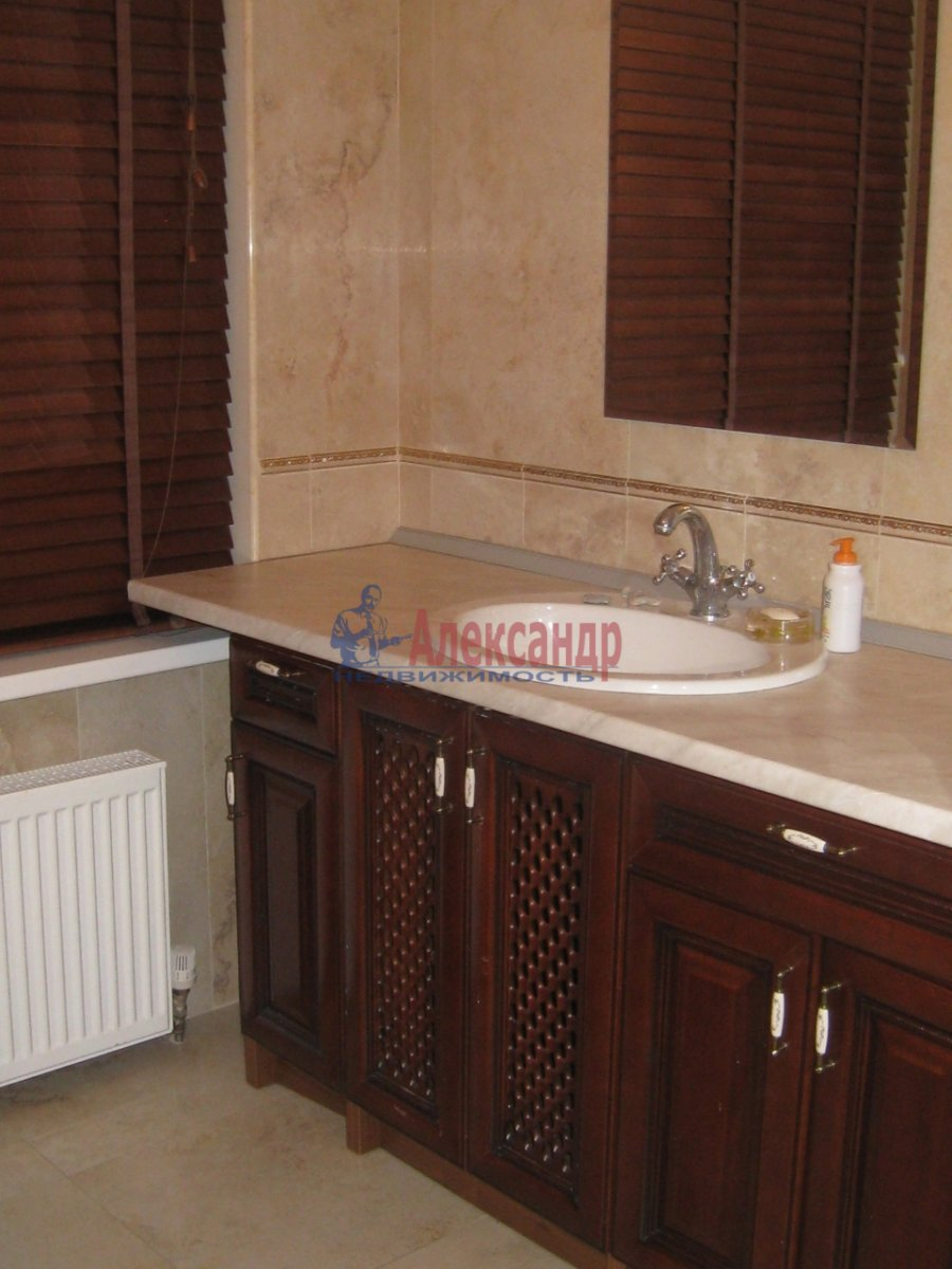3-комнатная квартира (130м2) в аренду по адресу Парадная ул.— фото 4 из 5