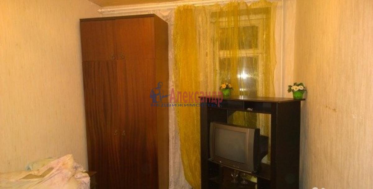 Комната в 3-комнатной квартире (72м2) в аренду по адресу Софийская ул., 31— фото 1 из 3