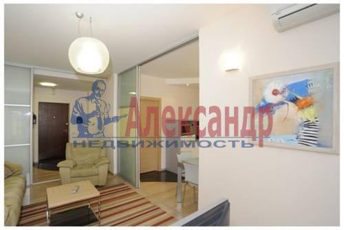 2-комнатная квартира (75м2) в аренду по адресу Савушкина ул., 125— фото 1 из 7