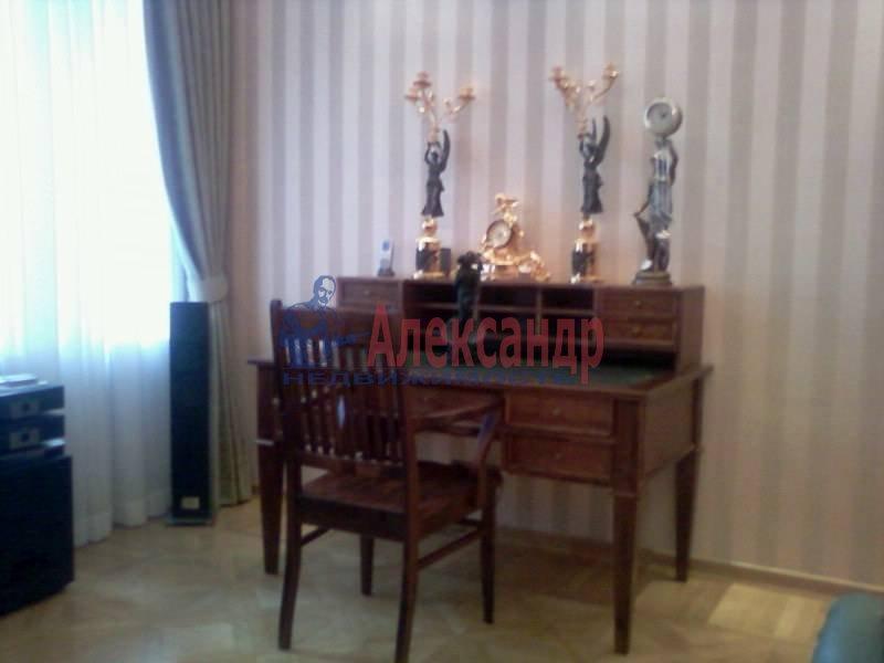 3-комнатная квартира (140м2) в аренду по адресу Петровский пр., 1— фото 7 из 12