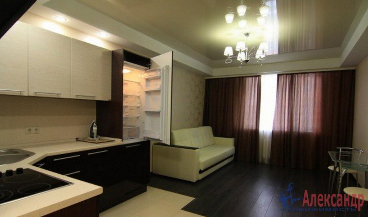 2-комнатная квартира (60м2) в аренду по адресу Кременчугская ул., 11— фото 1 из 3