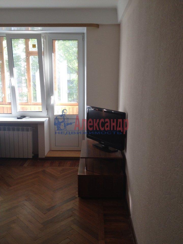 1-комнатная квартира (32м2) в аренду по адресу Карпинского ул., 31— фото 1 из 3