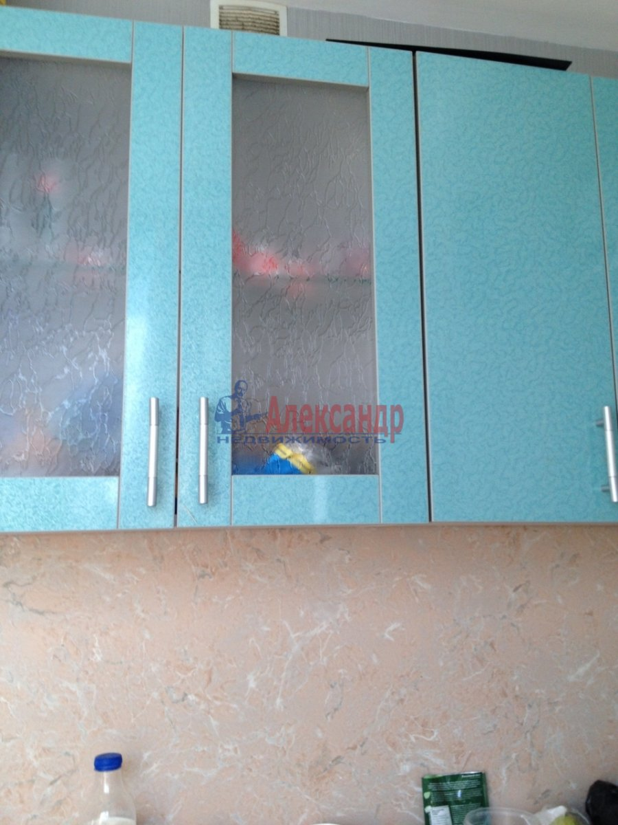 2-комнатная квартира (48м2) в аренду по адресу Крыленко ул., 19— фото 2 из 14