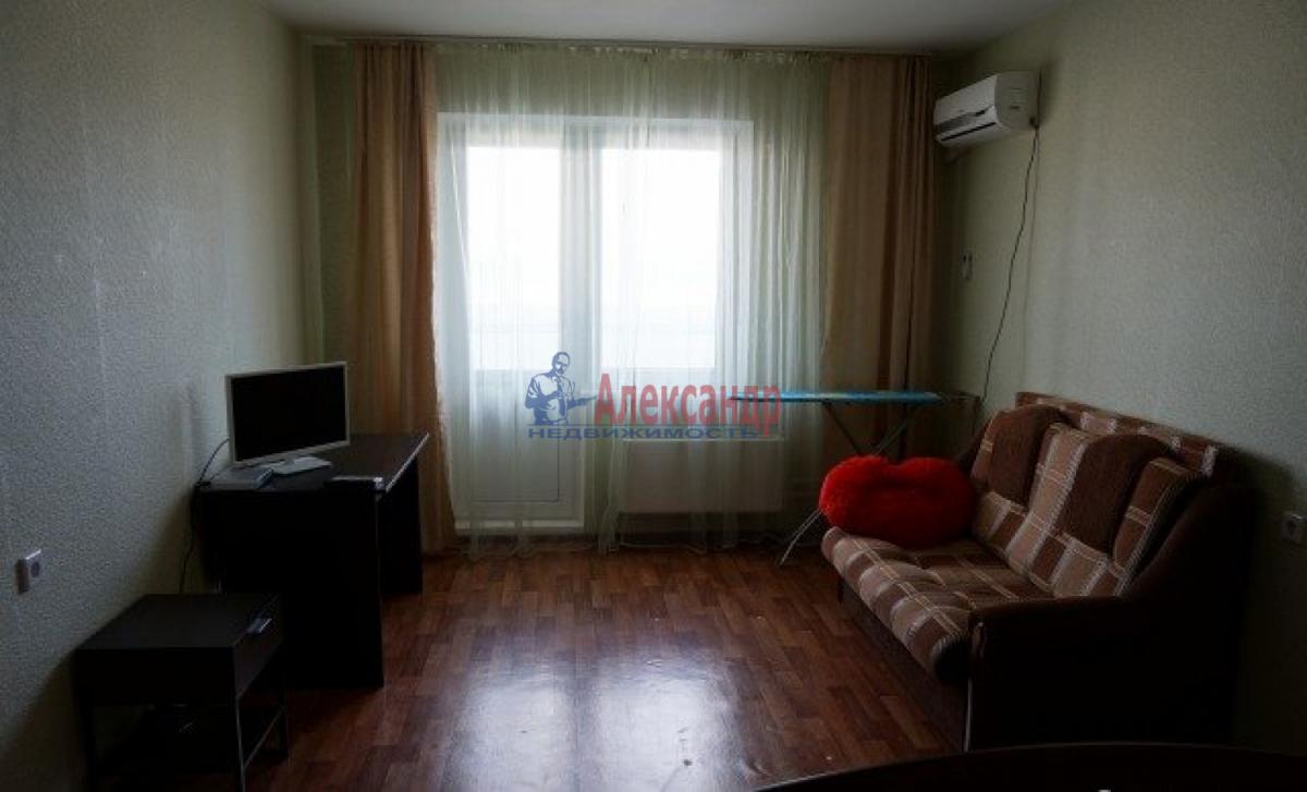 1-комнатная квартира (38м2) в аренду по адресу Ленская ул., 17— фото 2 из 4