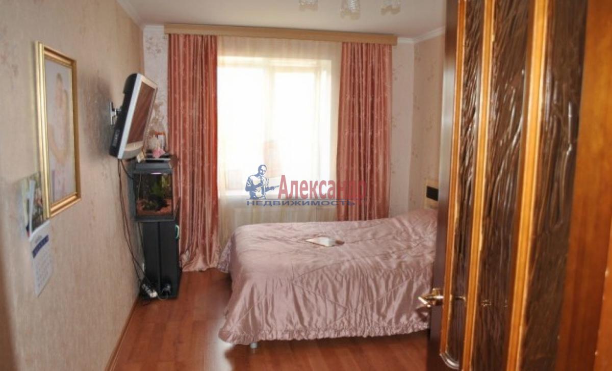 2-комнатная квартира (54м2) в аренду по адресу Лени Голикова ул., 53— фото 1 из 4