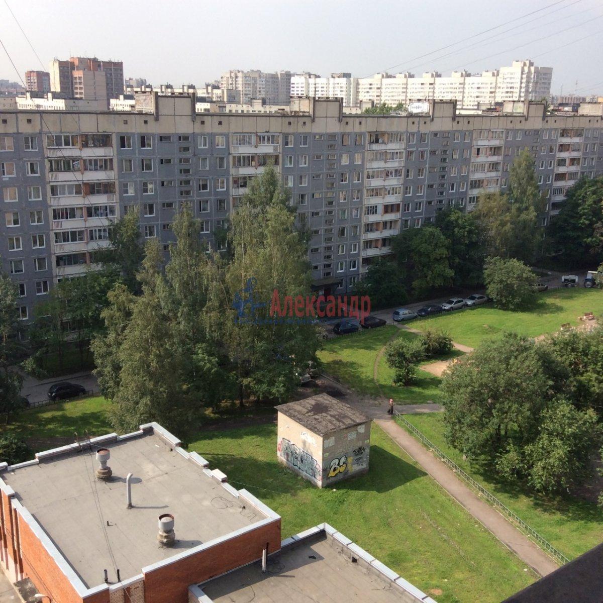 Комната в 5-комнатной квартире (100м2) в аренду по адресу Есенина ул., 30— фото 4 из 11