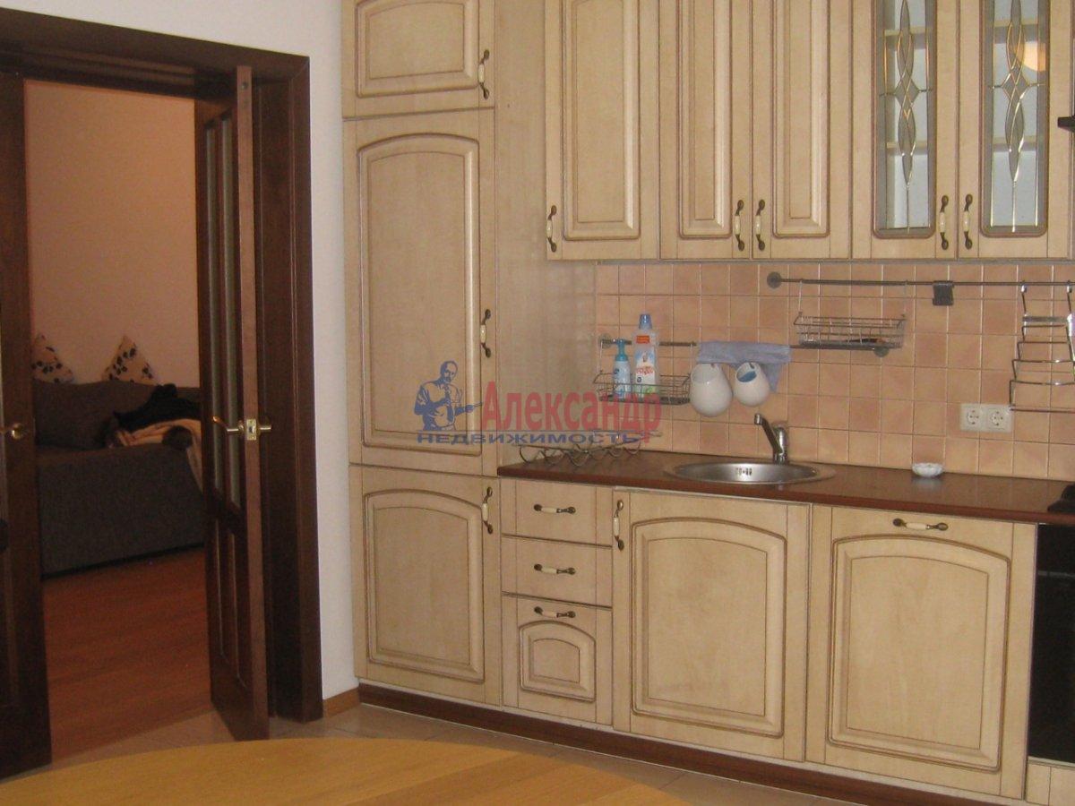 3-комнатная квартира (130м2) в аренду по адресу Парадная ул.— фото 1 из 5