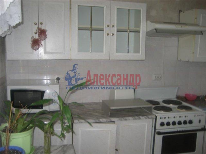 1-комнатная квартира (35м2) в аренду по адресу Дыбенко ул., 42— фото 3 из 6