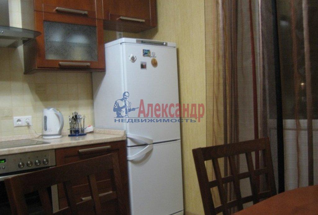 1-комнатная квартира (40м2) в аренду по адресу Заневский пр., 32— фото 2 из 4