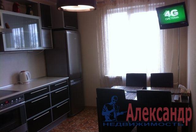 2-комнатная квартира (63м2) в аренду по адресу Лени Голикова ул., 29— фото 1 из 3