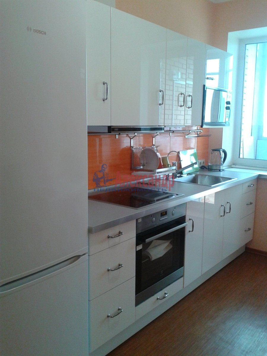 1-комнатная квартира (45м2) в аренду по адресу Белы Куна ул., 1— фото 4 из 13
