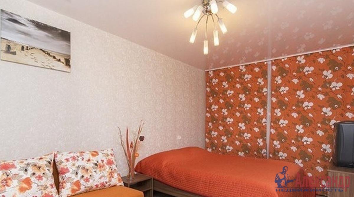 1-комнатная квартира (45м2) в аренду по адресу Будапештская ул., 8— фото 1 из 4