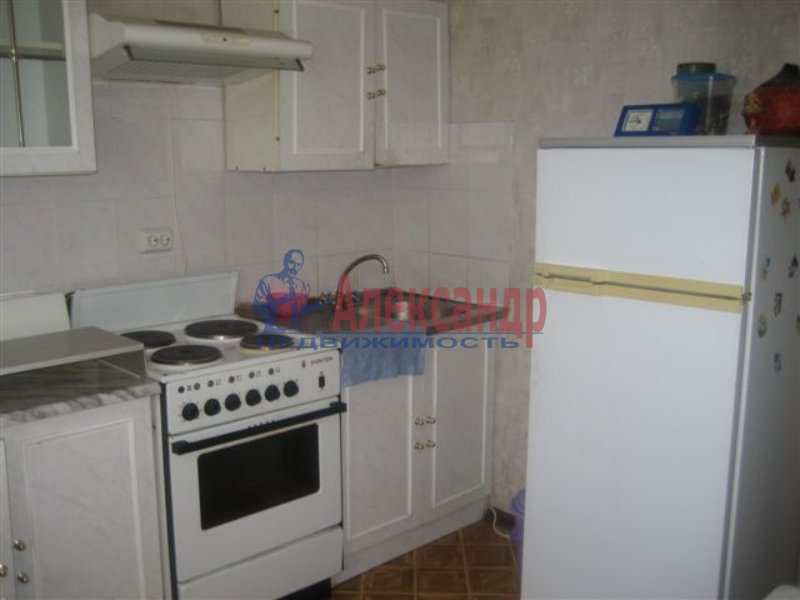 1-комнатная квартира (35м2) в аренду по адресу Дыбенко ул., 42— фото 4 из 6
