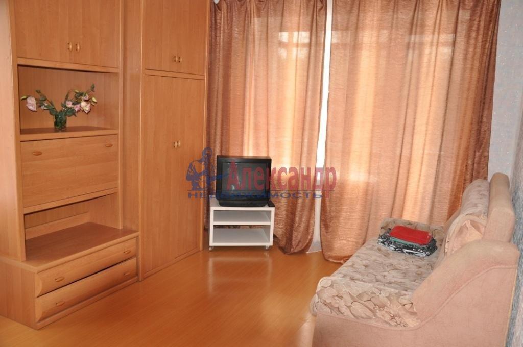 1-комнатная квартира (49м2) в аренду по адресу Есенина ул., 40— фото 1 из 1