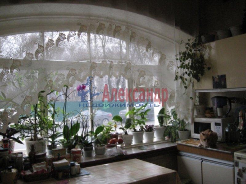 1-комнатная квартира (33м2) в аренду по адресу Среднеохтинский пр., 57— фото 2 из 4