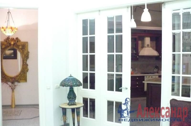 4-комнатная квартира (175м2) в аренду по адресу Кронверкская ул., 29/37— фото 1 из 10