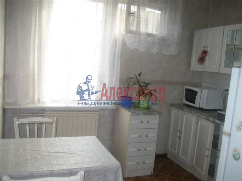 1-комнатная квартира (35м2) в аренду по адресу Дыбенко ул., 42— фото 5 из 6