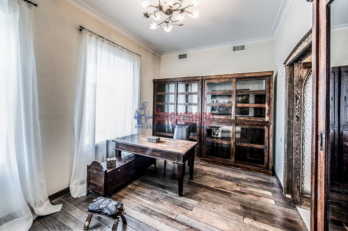3-комнатная квартира (185м2) в аренду по адресу Якубовича ул., 2— фото 12 из 13