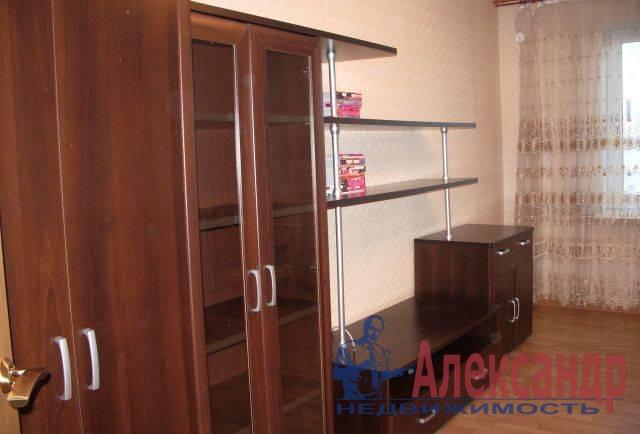 1-комнатная квартира (41м2) в аренду по адресу Бухарестская ул., 146— фото 2 из 5