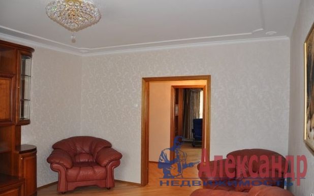 2-комнатная квартира (68м2) в аренду по адресу КИМа пр., 5— фото 1 из 2