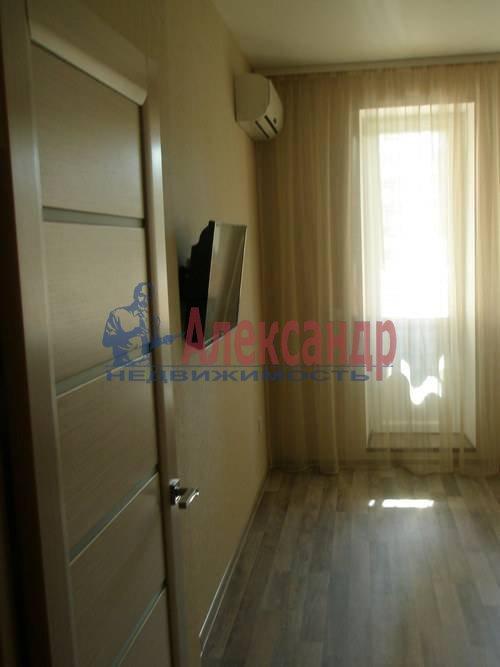 2-комнатная квартира (68м2) в аренду по адресу Комендантская пл., 6— фото 1 из 10