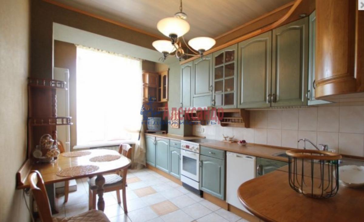 3-комнатная квартира (85м2) в аренду по адресу Чернышевского пл., 10— фото 2 из 9