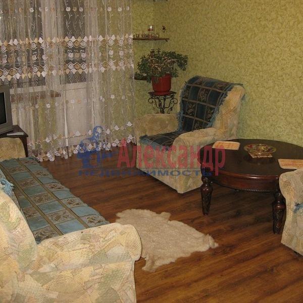 2-комнатная квартира (70м2) в аренду по адресу Коломенская ул., 30— фото 1 из 1