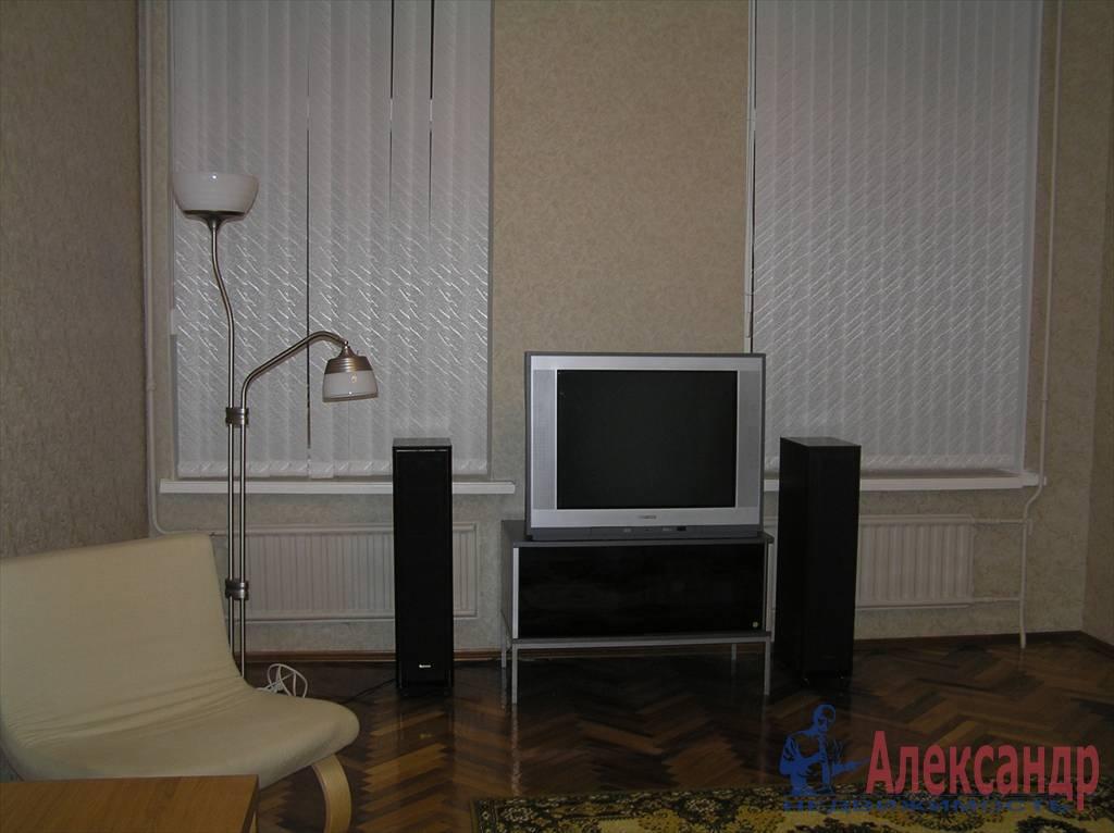 3-комнатная квартира (80м2) в аренду по адресу Чайковского ул., 50— фото 2 из 7